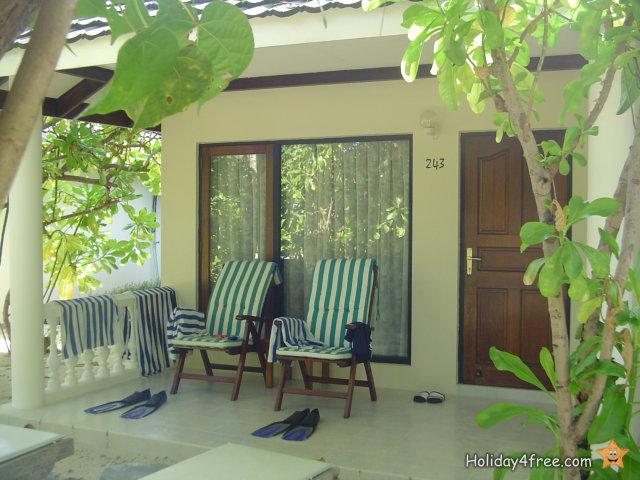 Maldives 013 North Male Atoll Lankanfinolhu Paradise Island Resort Spa Superior Beach Bungalow